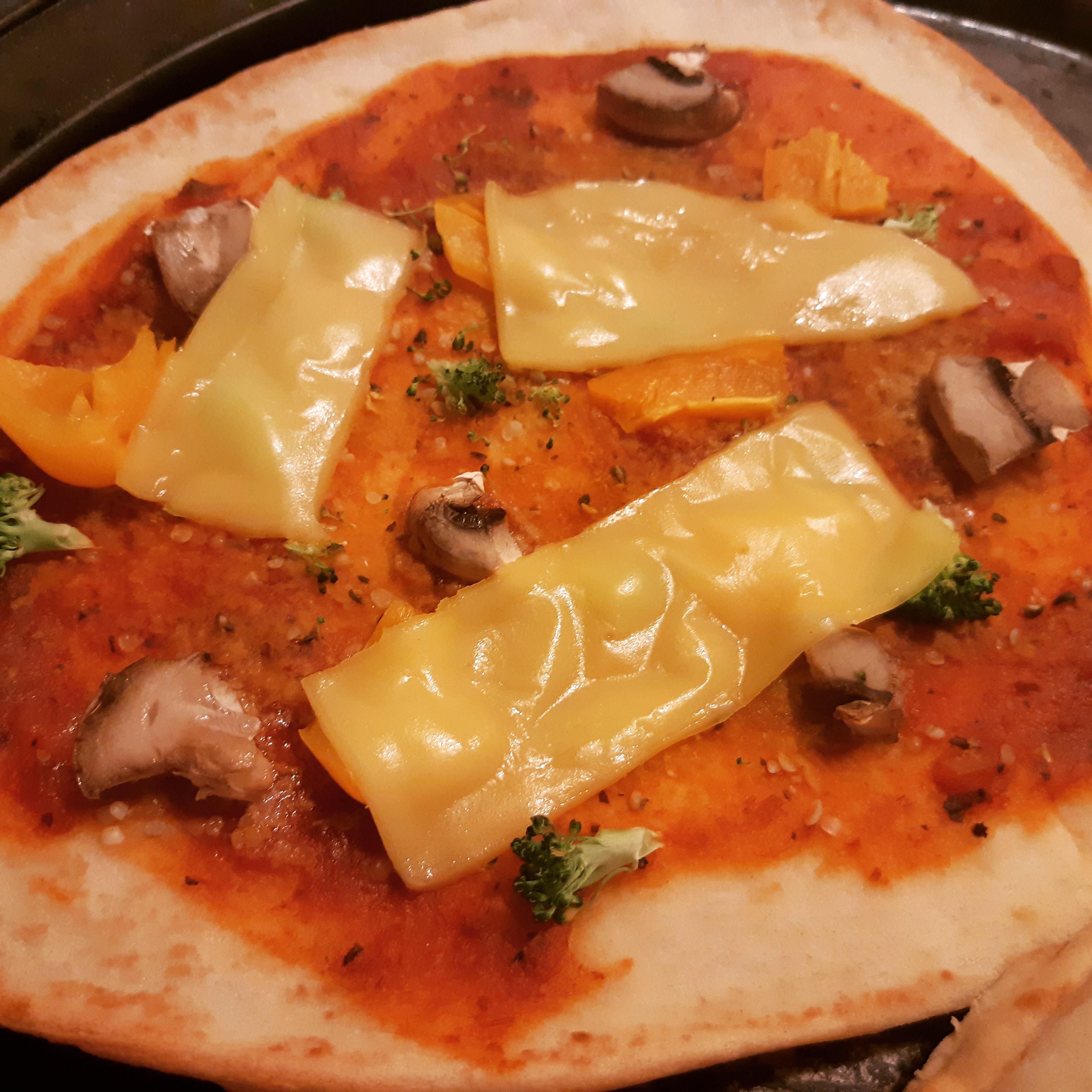 AterImber.com - The Veg Life - Product Reviews - Field Roasts' Chao Creamy Original Nann Pizza - vegan food, vegan food review, food reviewer, blogger