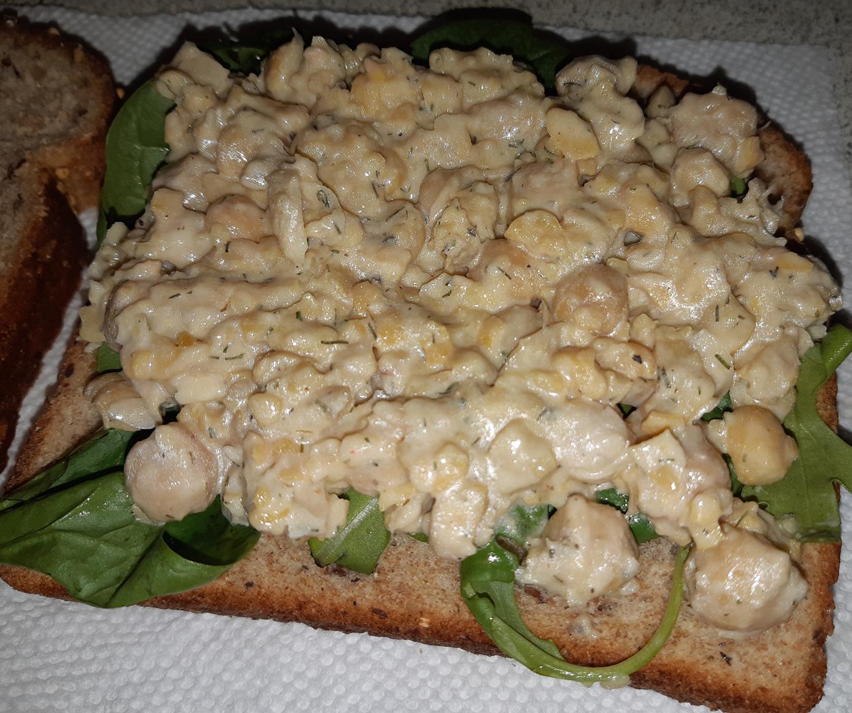 AterImber.com - The Veg Life - Vegna Tips - 8 Simple No-Cook Summer Recipes - Chickpea Salad Sandwich - vegan, vegan food, what vegans eat, food blogger, vegan blogger, food reviewer, recipes, simple recipes