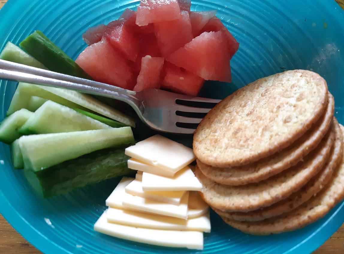 AterImber.com - The Veg Life - Vegna Tips - 8 Simple No-Cook Summer Recipes - Snack Plate - vegan, vegan food, what vegans eat, food blogger, vegan blogger, food reviewer, recipes, simple recipes